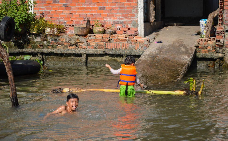 Water games in Mekong
