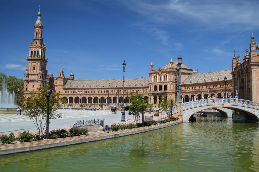 Plaza de España – The river