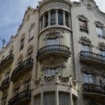A building on Carrer da la Pau