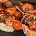 Pinchos with prawns and mushroom