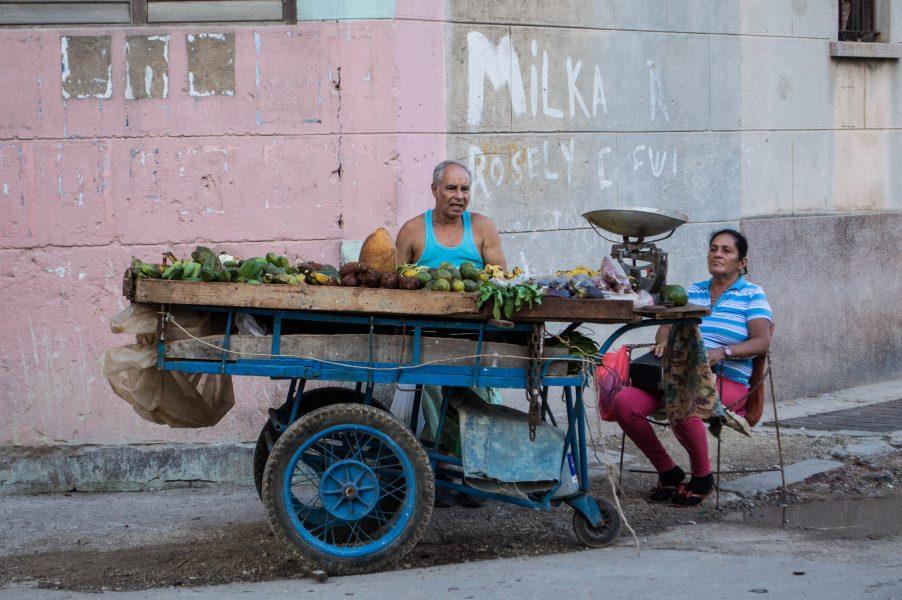 Street sellers in Havana Vieja